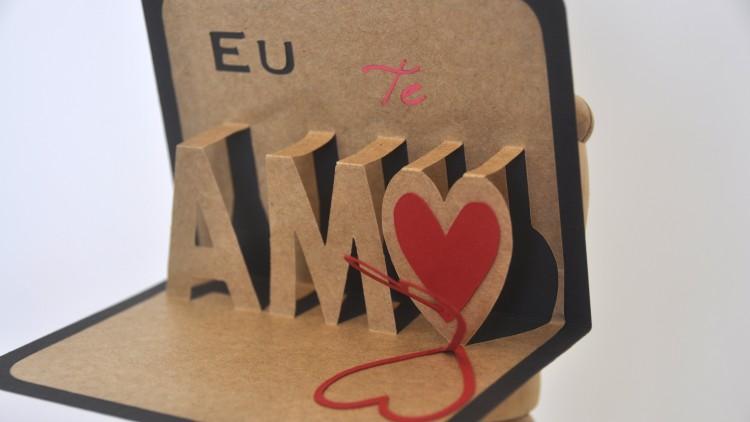 Enamorar: uma relação em 3D