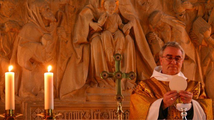 Orientações sobre o sacramento da Eucaristia  (Livro IV do Código de Direito Canônico)
