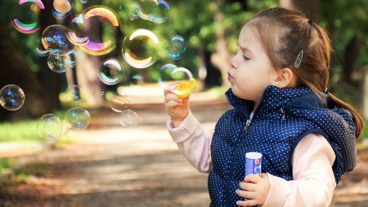 A terceirização da infância – parte III: A apropriação da função materna e paterna