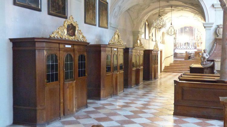 Do ministro do sacramento da Penitência e a faculdade para absolver pecados